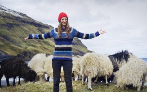 Færøyene jente sauer