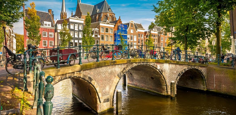 blomstercruise Amsterdam elvecruise keukenhof Amsterdam Rhinen kanal Nederland