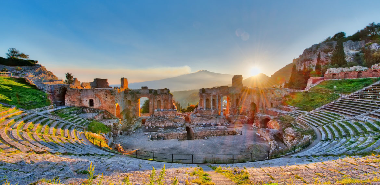 Taormina Etna Sicilia Italia