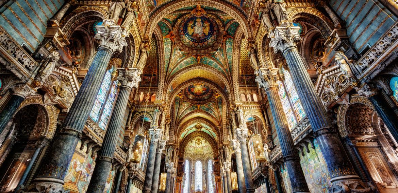 INteriør basilikaen i Lyon