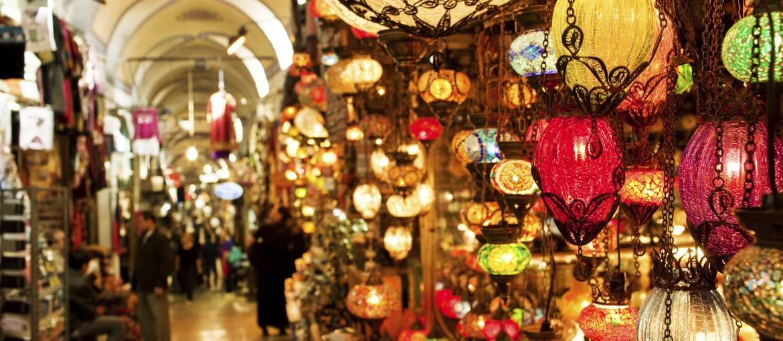 Basarer med lamper i Istanbul