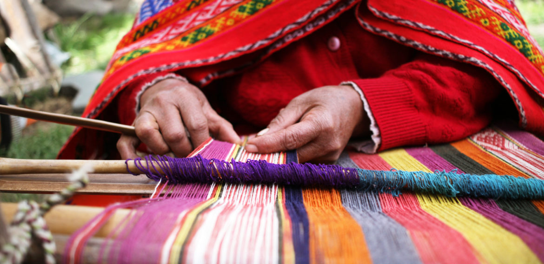 Det bugner av fargerikt kunsthåndverk, Peru