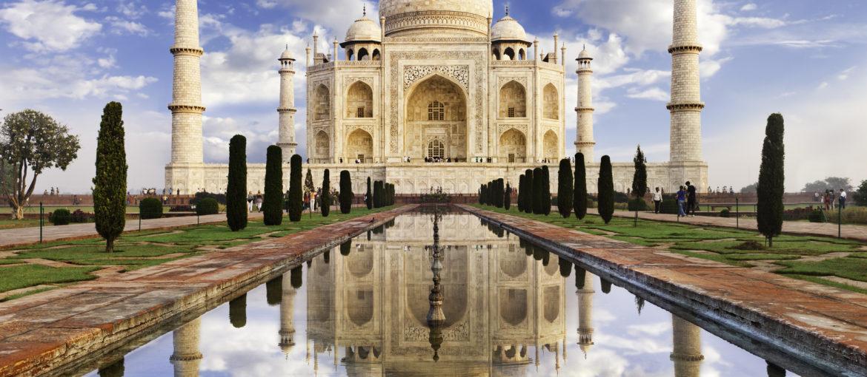 Taj Mahal på morningen.