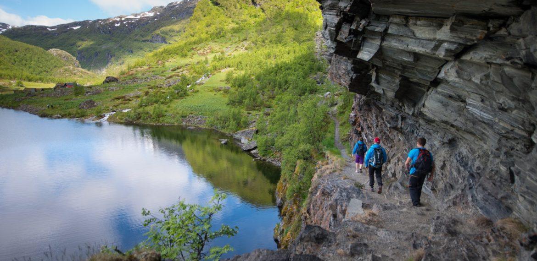 Vandring-i-Aurlandsdalen Foto Sverre Hjørnevik/Fjord Norway