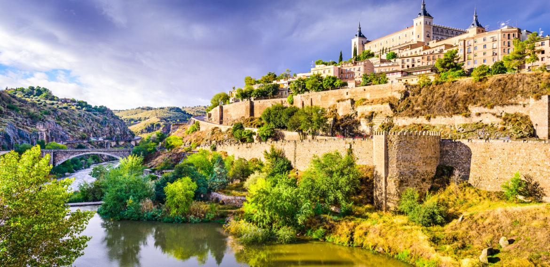Toledo med elv i Spania