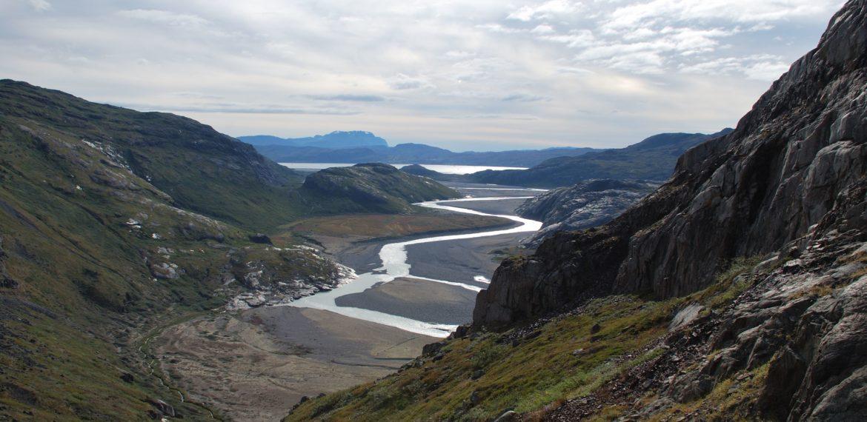Grønland Narssaq i bakgrunnen