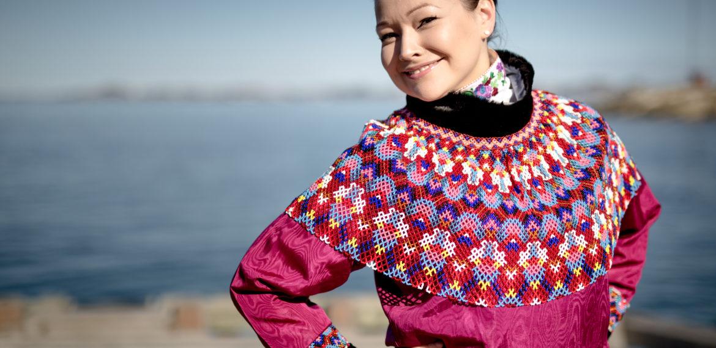 Grønland dame i nasjonaldrakt