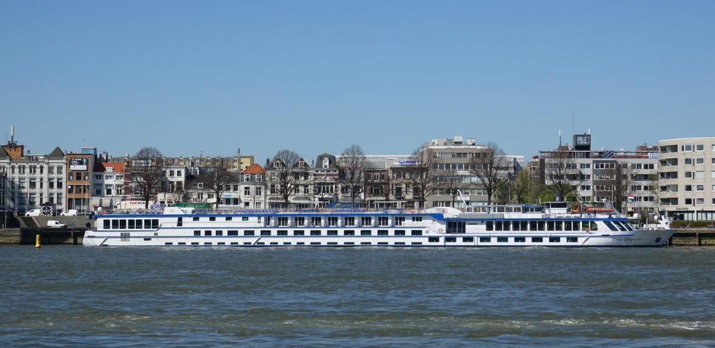 MS Aurora CruiseAway